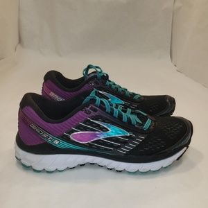Brooks ghost 9 size 8.5